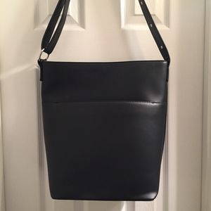 Large Urban Outfitters Bucket Tote